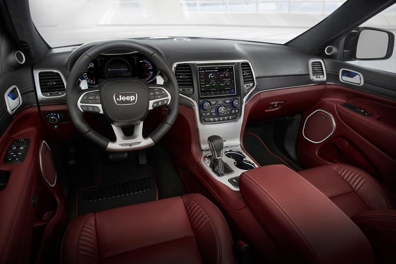 Jeep Grand Cherokee Trackhawk 700PS Interieur red